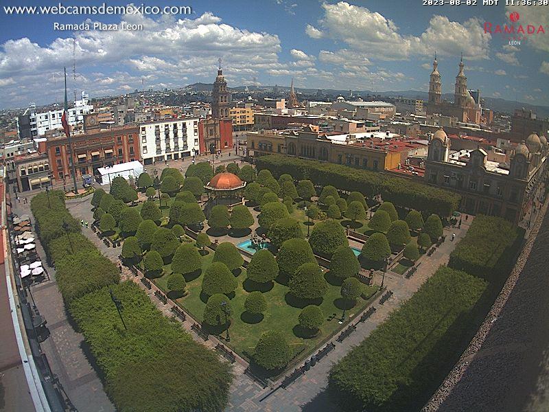 http://webcamsdemexico.net/leon1/live.jpg?d=1526164159544